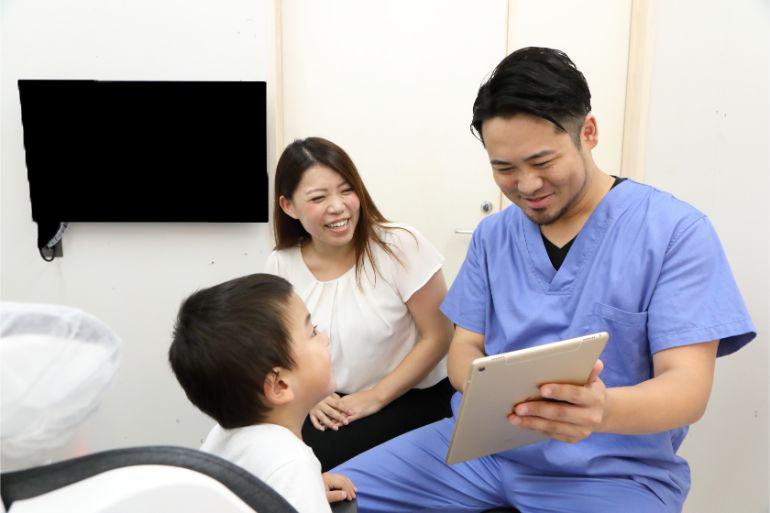 診断結果・口腔育成計画を説明